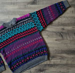 Vintage Heet Sportswear Multicolored Print Pullover Crewneck Sweater for Sale in Bonney Lake, WA