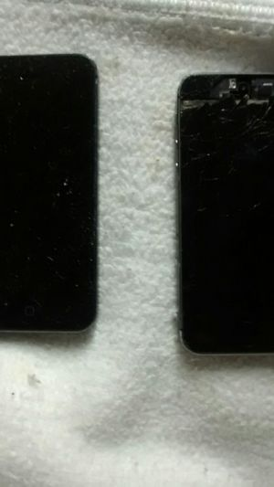 iPhone 5 cracked screen each can be sold separately for Sale in Melrose Park, IL