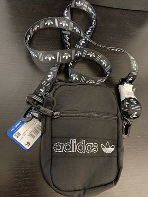 Free Adidas cross body bag with shoes purchase. for Sale in Garden Grove, CA