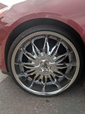 "Bonnetti 22"" chrome rims 3 new tires one not as new but still good for Sale in Denver, CO"