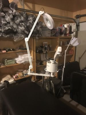 2 in 1 glass and metal facial steamer and Maglamp for Sale in Glendale, AZ
