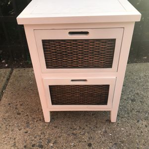 Nightstand White for Sale in Silver Spring, MD