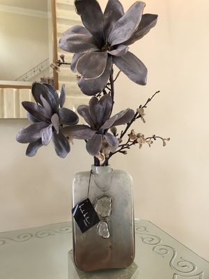 Designer Vase with Flowers for Sale in Hialeah, FL