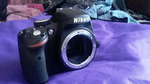 Nikon D3200 digital camera/ VR Nikon DX AF-S 18-55mm 1:3.5-5.6G) missing lens cover and charger, but works perfect with no scratches. for Sale in Tucker, GA