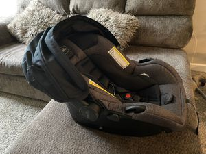 Evento infant car seat for Sale in South Bend, IN