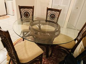 Dinning table for Sale in Miramar, FL