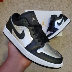 BRAND NEW AIR JORDAN 1 LOW SILVER TOE WOMENS SZ,8 $180 DM TO PURCHASE for Sale in Las Vegas,  NV