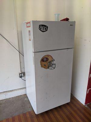 Free fridge for Sale in Union City, CA