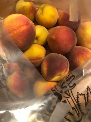 Free bag of peaches free pick up ASAP for Sale in Inglewood, CA