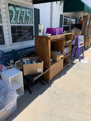 Dividers chairs and stuff for Sale in High Ridge, MO