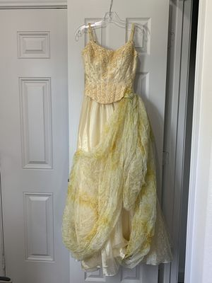 Yellow Quinceanera Dress for Sale in Houston, TX
