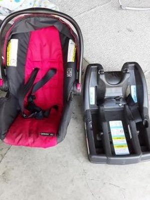 Graco car seat with base for Sale in Tracy, CA