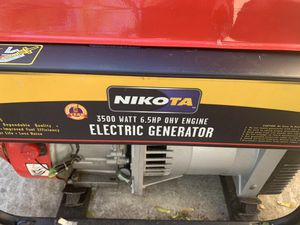 Generator. Runs not charging for Sale in Queens, NY