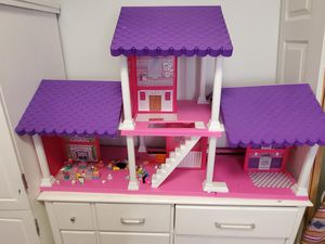 Barbie Dolls House Clothing & Accessories for Sale in Austin, TX