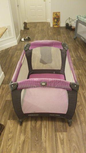Baby crib, Graco pack n play for Sale in Las Vegas, NV