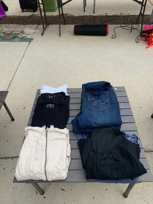 $55 Lot Motherhood & Old Navy M-L Maternity Clothes for Sale in Alexandria, VA
