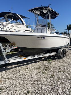 1999 Century 22 Foot With 2005 Yamaha Four Stroke Ready for Sale in Miami,  FL
