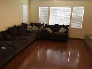 Couch sectional for Sale in Rancho Cucamonga, CA