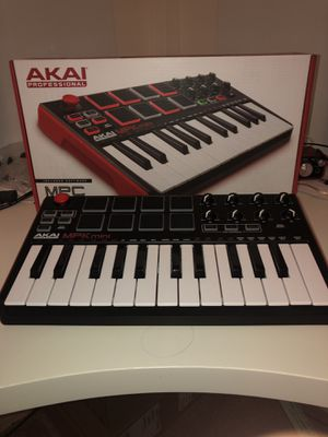 AKAI MPK mini keyboard for Sale in Humble, TX