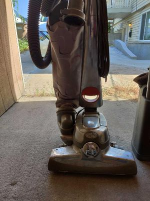 Santaria curvy vacuum for Sale in Salt Lake City, UT