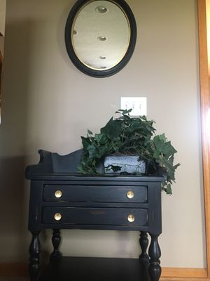 Black Accent Table with Matching Mirror for Sale in Ashville, OH