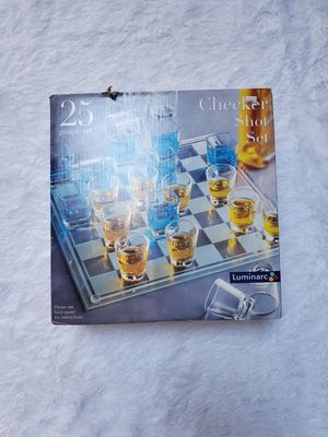 CHECKERS SHOT GLASS SET DRINKING GAME! 25PC for Sale in Taunton, MA