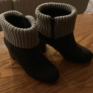 TORRID Ankle Boots w/Gray Sweater Accent Size 8W for Sale in Kent, WA