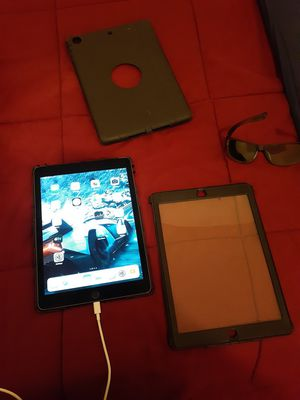 iPad air 2 32gb wifi and cellular support services with outer box for Sale in Philadelphia, PA