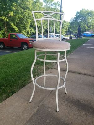 2 raised chairs for Sale in Chicago, IL