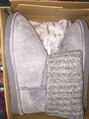 Brand new Lamo women 9 boots for Sale in Union City, GA