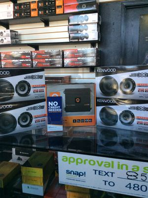 4) kenwood 6 1/2 speakers with 4 channel quantum amp 2000w for Sale in Rialto, CA