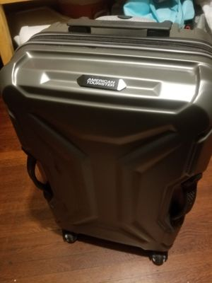 American Tourister luggage for Sale in Alameda, CA