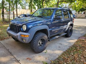 2004 jeep liberty 3.7 MANUAL TRANS for Sale in South Hempstead, NY