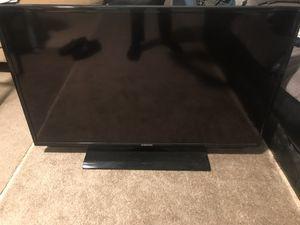 Samsung 40 inch TV W/ Remote 1080P UN40EH5000F for Sale in Arlington, VA
