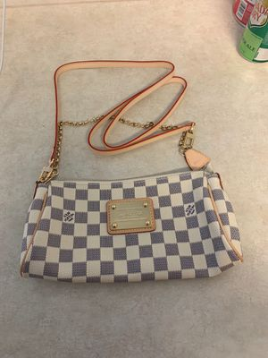 Louis Vuitton hand bag for Sale in Mansfield, TX