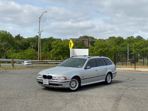 BMW 528i wagon for Sale in Alexandria, VA