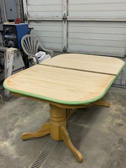 FREE Project Dining/Kitchen table for Sale in Camano,  WA