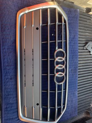 Audi Q5 2017 to 2018 grill for Sale in Torrance, CA