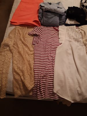 16 PIECES OF CLOTHES I NEED to GET RID OF, ASSORTED SIZES GOOD CONDITION, sizes m, 12, 6 for Sale in Fort Myers, FL