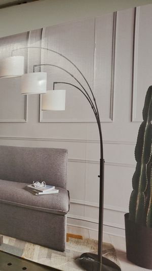 Floor lamp new 75.00 for Sale in Bakersfield, CA