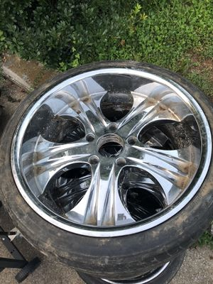 Nice chrome rims in good condition for Sale in Nashville, TN