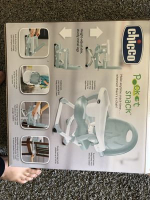 Chicco pocket snack booster seat for Sale in Euless, TX
