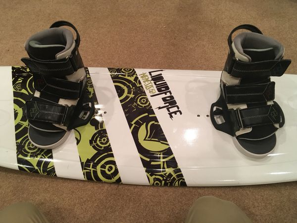 Liquidforce sizes 12T to 15Y wakeboard