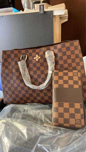 Purse and wallet for Sale in Tracy, CA