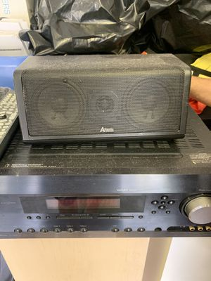 Stereo system with 4 speakers and a subwoofer for Sale in Miami, FL
