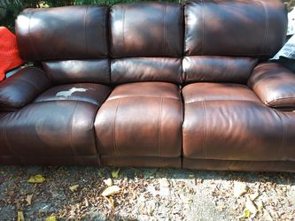 Brown couch for Sale in Nashville,  TN