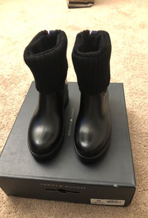 Black Tommy Hilfiger Rain Boots Size 6 for Sale in Clinton, MD