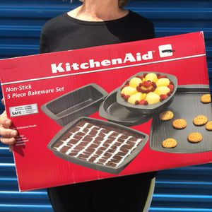 KitchenAid Bakeware Set NEW! for Sale in Gresham, OR