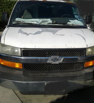 Chevy express 2006 for Sale in Los Angeles, CA