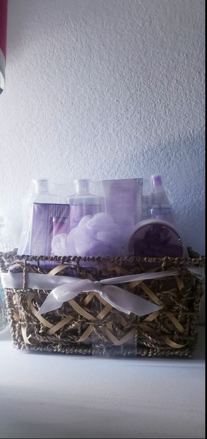 Gift set body stuff with basket for Sale in Moreno Valley, CA